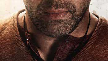 SRK Reveals The First Look Poster Of Salman's 'Bajrangi Bhaijaan'!!