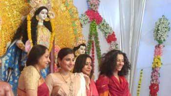 Vidya Balan attends Durga Puja arranged by Biswajit Chatterjee