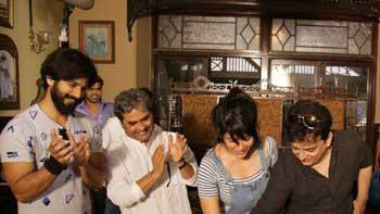 Vishal Bhardwaj's 'Rangoon' kickstarts with a celebration!