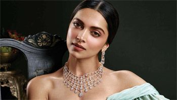 Deepika Padukone to soon commence her much-awaited gangster film!