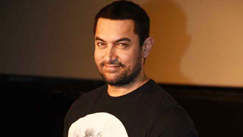 Aamir Khan dances on Marathi song at Maharashtra Night