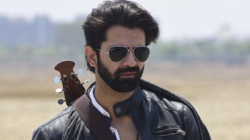 Barun Sobti all set to enter Gul Khan's Kullfi Kumarr Bajewala