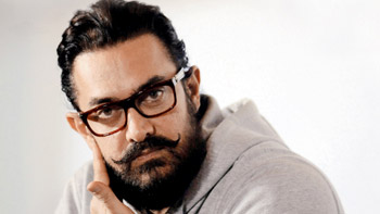 Details: Aamir Khan & Big B's Thugs Of Hindostan Delayed To Make It Grander!