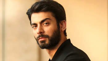Fawad Khan finally breaks his silence and takes a peaceful stand