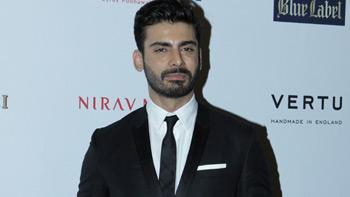 Fawad Khan flies back to Pakistan after Kapoor & Sons success