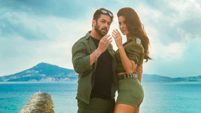 Featuring the hit pair of Salman-Katrina, 'Swag Se Swagat' becomes the first Bollywood song to garner 200 million digital views!