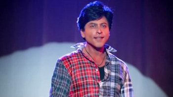Gaurav, an ardent fan of idol Aaryan Khanna, essays villain in the film Fan