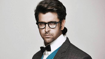 Hrithik Roshan signs whopping 550 crore with Star India