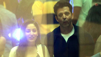 Kaabil on set pictures featuring Hrithik Roshan and Yami Gautam