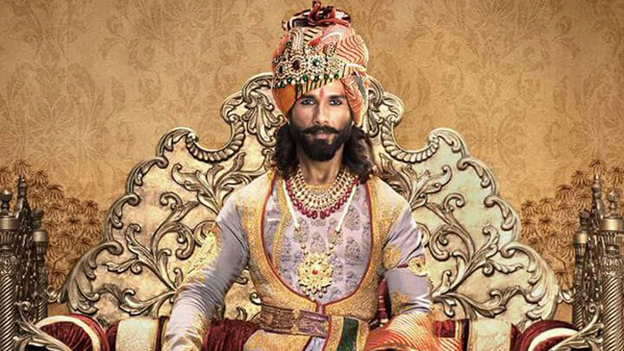 Karni Sena finally agrees to give 'Padmaavat' a GREEN SIGNAL in all the banned States!
