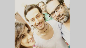 Kriti Sanon & Tiger Shroff gear up to share the big screen once again!