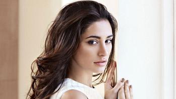 Nargis Fakhri to feature in international movie 5 Weddings