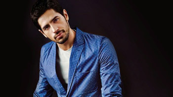 Siddharth Malhotra to perform a never-seen-before entry act at Dream Team concert