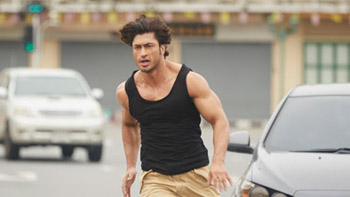 Video: Here is a quick glimpse into the Commando 2 Trailer featuring Vidyut Jamwal