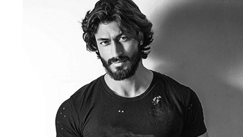 Vidyut Jamwal's role details from Aankhen 2 revealed