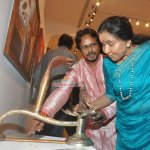 Asha Bhosle at the Inauguration of artist Paramesh Paul's Painting Exhibition of 'Glory of the Ganges'