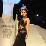 Kareena Kapoor walks the ramp as showstopper for designer Gaurav Gupta at Lakme Fashion Weeek Winter Festive 2015