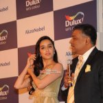 Farhan Akhtar and Shraddha Kapoor Unveil AkzoNobel's Monarch Gold as Colour of the Year 2016