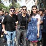 Varun Dhawan, Kriti Sanon, Varun Sharma promote film 'Dilwale' at Mithibai College