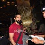 Siddharth Malhotra & Farhan Akhtar snapped at Mumbai International Airport
