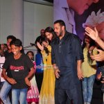 'Prem Ratan Dhan Payo' Star Cast Celebrate Diwali with Kids from 'Dharavi Rocks' Music Band