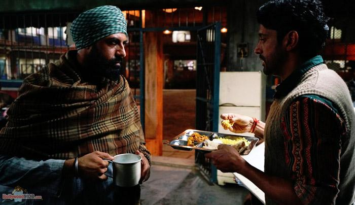 Here's a still of Farhan Akhtar and Gippy Grewal from Lucknow Central