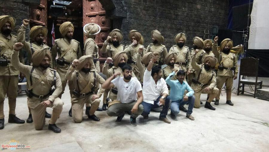 Here're some exclusive pictures from the sets of Contiloe Pictures' 'Battle Of Saragarhi'!