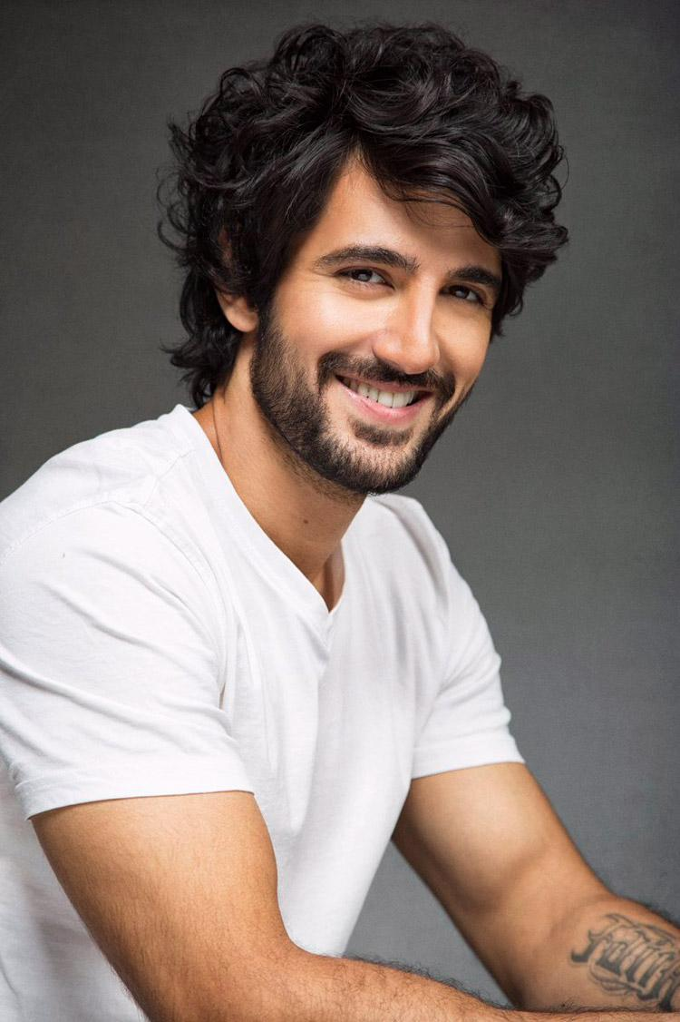 Aditya Seal to play the parallel lead in Student Of The Year 2?