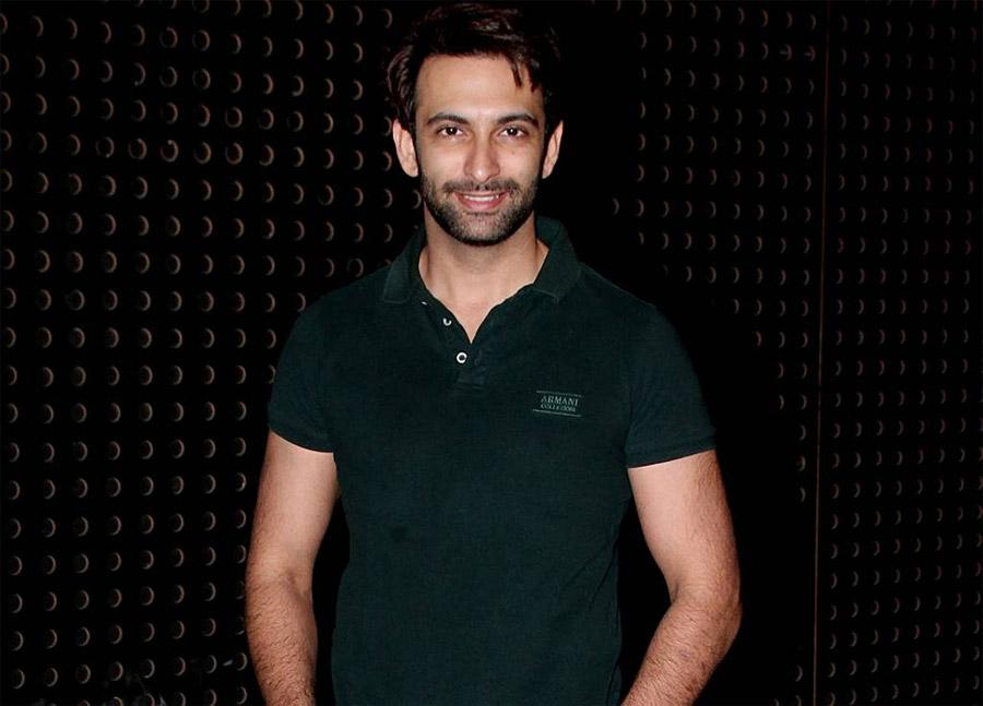 Nandish Sandhu come onboard to Hrithik Roshan's brother in Super 30