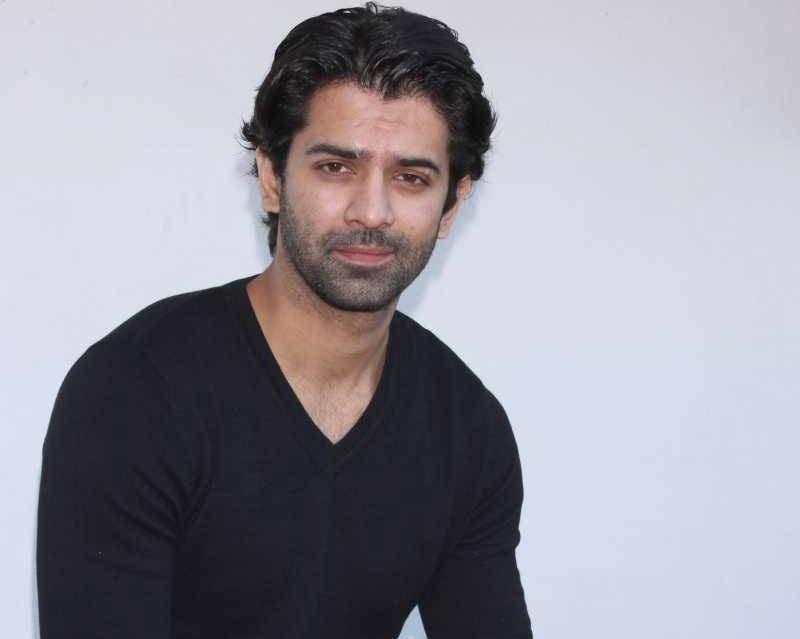Barun Sobti teams up with Ekta Kapoor for ALTBalaji original 'Dysfunctional Family'